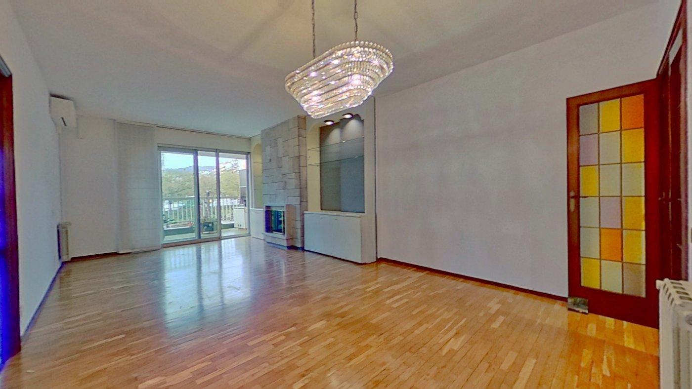 Piso de 4 dormitorios en Plaza Lesseps – KE-0127