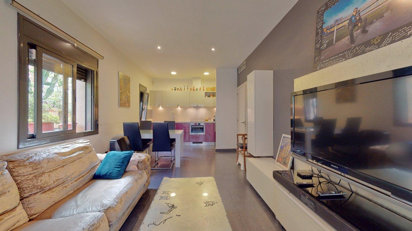 Casa con 3 terrazas en Horta – KE-0131