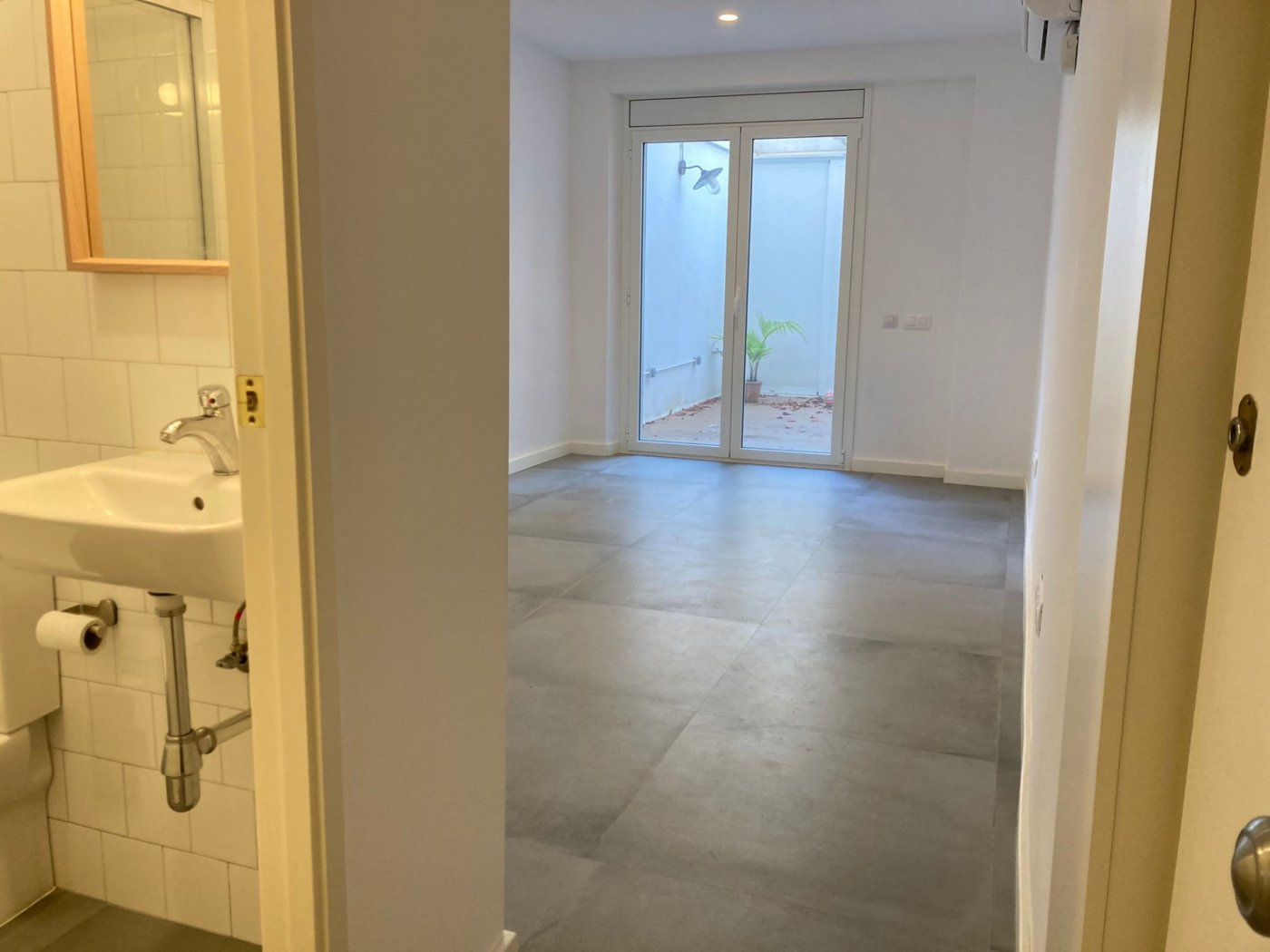 Moderno piso en Hostafrancs – KE-0140